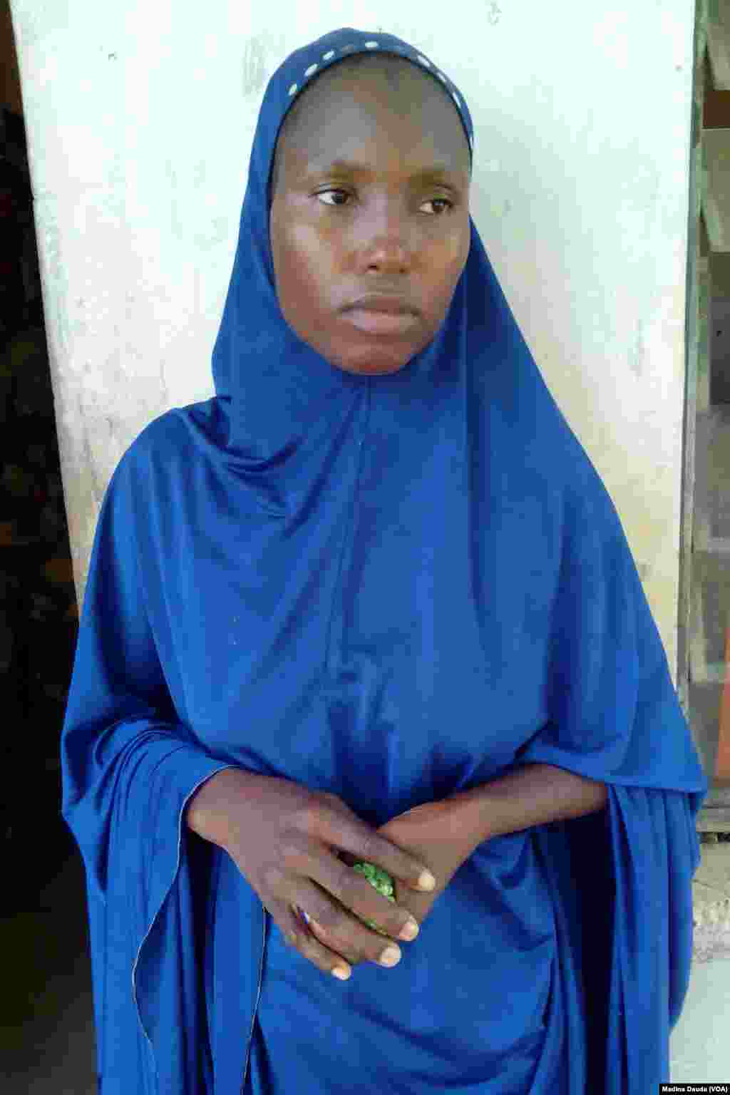 A'isha Kabiru, daya daga cikin mata 3 da sojojin Najeriya suka kama bisa zargin cewa su 'ya;yan kungiyar Boko Haram ne.