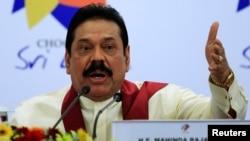 斯里蘭卡總統拉賈帕克薩11月17日在英聯邦峰會的記者會上發表講話。