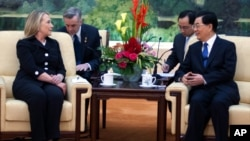 美国国务卿克林顿2012年9月5日在北京人民大会堂同中国国家主席胡锦涛举行会谈