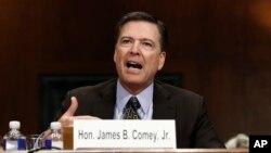 ຜູ້ອຳນວຍການ ອົງການສັນຕິບານກາງ ຫຼື FBI ຂອງສະຫະລັດ ທ່ານ James Comey.
