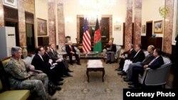 ریاست جمهوری افغانستان، میگوید در این دیدار برعلاوه رئیس جمهورغنی، سایر اعضای رهبری حکومت وحدت ملی نیز حضور داشتند.