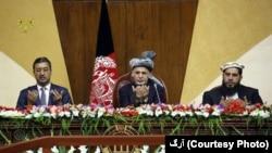 آقای غنی برای اولین بار طالبان را تروریست خطاب کرد و هشدار داد که دروازه مذاکره به روی آن گروه برای همیش باز نخواهد بود.