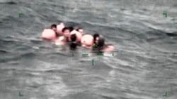 中国渔船翻船营救行动仍在继续
