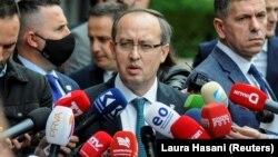 ARHIVA - Premijer Kosova Avdulah Hoti (Foto: Reuters/Laura Hasani)