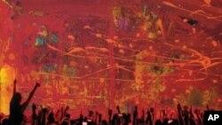 """Barry Manilow razmatra život pod svjetlima reflektora na albumu """"15 Minutes"""""""