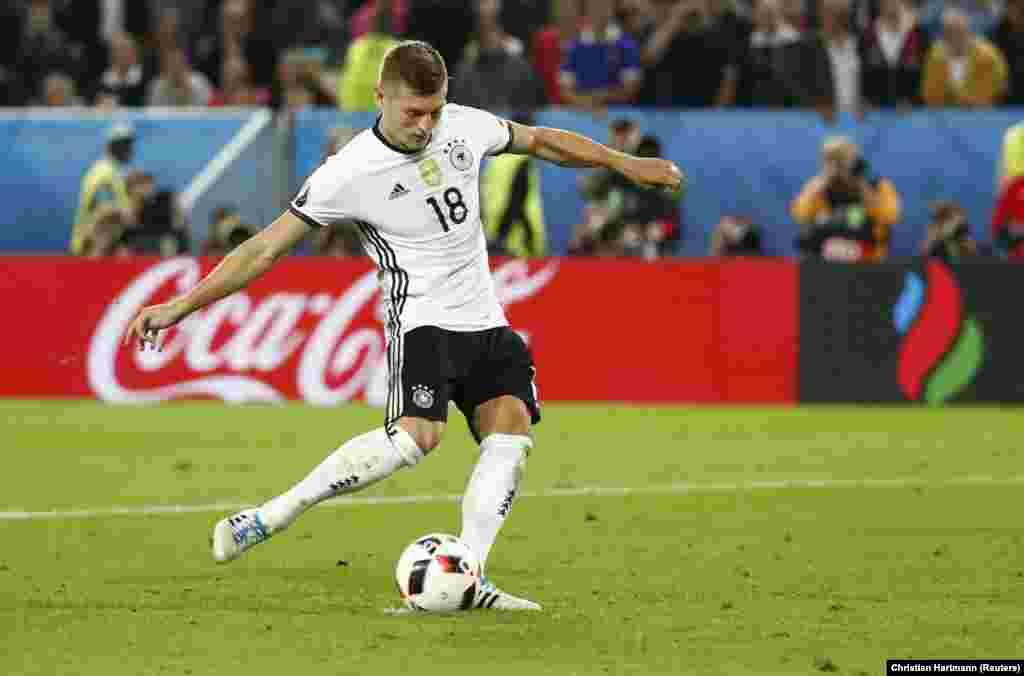 Toni Kroos, jogador da Alemanha, um dos eleitos para o 11 ideal da UEFA, depois do Euro 2016