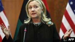 Ngoại trưởng Clinton nói việc triệt thoái theo đúng cam kết của Tổng thống Obama và vị tiền nhiệm của ông đã ra lệnh cuộc tiến quân vào Iraq là cựu Tổng thống Bush
