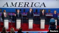 """El experto entrevistado por la Voz de América, Javier Maza, destaca que el primer debate fue """"Trump contra todos"""" pero que el segundo fue """"todos contra Trump""""."""