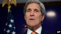 美国国务卿克里在印度甘迪纳加尔举行记者会。(2015年1月12日)