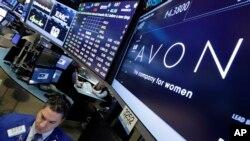 Avon dijo que el cambio no es considerado una inversión en materia de impuestos y que la empresa seguirá comercializandose en la Bolsa de Valores de Nueva York.