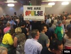 A vigil at the LGBTQ Center of Southern Nevada (Las Vegas) in response to the shooting in Orlando. (K. Farabaugh/VOA)