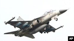 台灣總統馬英九表示希望美國能出售F-16 C/D型戰機。圖為F16戰機今年四月參加漢光演習。