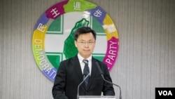 民进党中国事务部主任赵天麟重申两岸关系上的主张。(美国之音记者方正拍摄)