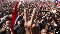 埃及人民慶祝穆巴拉克下台