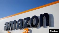Logo Amazon di Bovers, Perancis, 8 Agustus 2018. (Foto: Reuters)