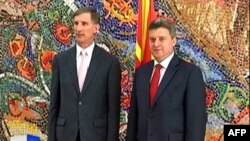 Ambasadori i ri amerikan në Maqedoni dorëzon letrat kredenciale
