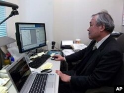 Professor Masaharu Hoshi of Hiroshima University has been studying the effects of radiation on atomic bomb survivors ('hibakusha') for 30 years.