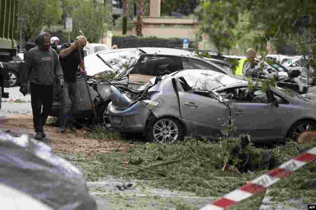 خسارات به جامانده از بارش باران شدید و جاری شدن سیل در پایتخت ایتالیا