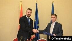 Ministar evropskih poslova Crne Gore Aleksandar Andrija Pejović i ambasador Kosova u Podgorici, Skender Durmiši (gov.me)