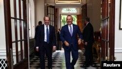 İngiltere'ye, Dışişleri Bakanı Dominic Raab ve Dışişleri Bakanı Mevlüt Çavuşoğlu