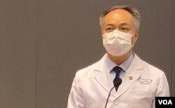 香港中文大學醫學院微生物學系系主任陳湘基表示,偵測隱性新冠感染比率的研究成果,對國際防疫都有參考價值。(美國之音湯惠芸攝)