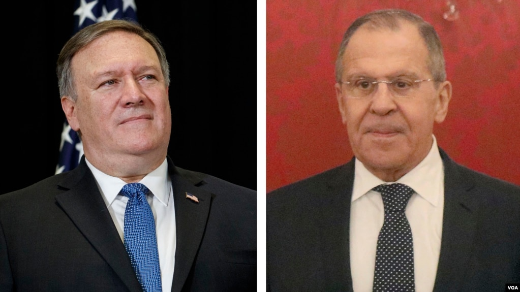 Le secrétaire d'Etat américain, Mike Pompeo, et le ministre russe des Affaires étrangères Sergueï Lavrov et son homologue américain