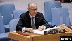 Đại sứ Afghanistan Ghulam Isaczai phát biểu trước Hội đồng Bảo An LHQ ở New York vào ngày 16/8/2021, nhưng ông đã rút lui không phát biểu theo chương trình dự kiến vào ngày 27/9/2021.