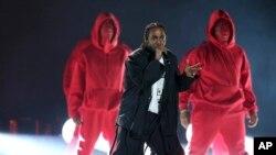 El show no tuvo grandes estrellas como Adele, Beyoncé y Taylor Swift, y aunque fue una gran noche para el rap, puede no haber sido el estilo musical más popular para todo el público.