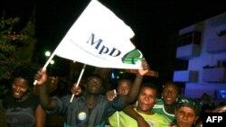 Në Bregun e Fildishtë zhvillohen luftime të ashpëra rreth banesës së presidentit Bagbo