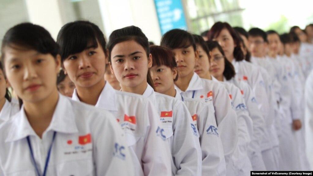 Lao động Việt Nam ở Nhật Bản (Ảnh chụp màn hình VnEconomy)