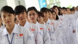Những công nhân xuất khẩu Việt Nam ở Nhật Bản. Lao động Việt được trả công cao nhất ở đây so với công nhân đến từ các nước khác. (Ảnh chụp màn hình VnEconomy)