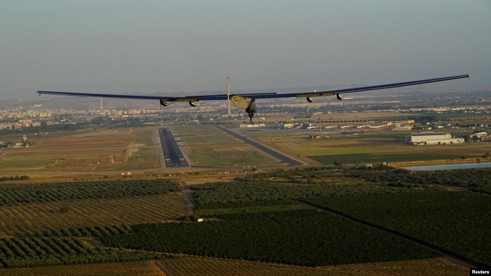 """Avioni """"Impuls Solar 2"""" ulet në Spanjë"""