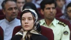 معلم فرانسوی پس از حضور در دادگاه به سفارت فرانسه در تهران بازگشت