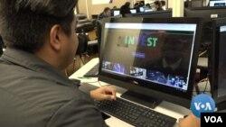 Beberapa siswa SMA di California menciptakan program perdagangan saham virtual.