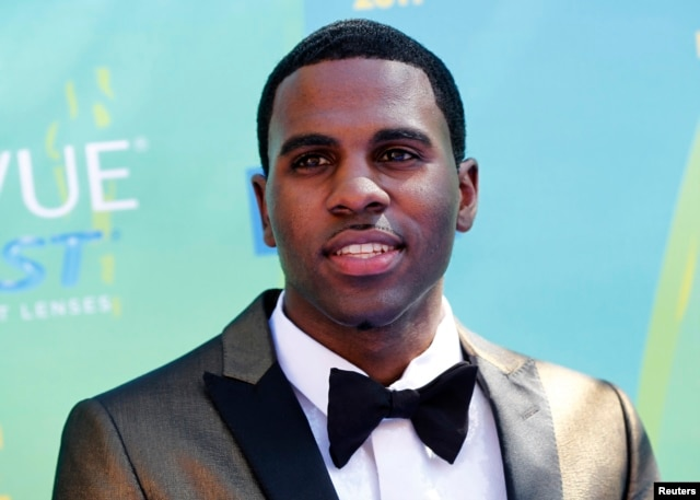 Singer Jason Derulo arrives at the Teen Choice Awards in Los Angeles, Aug. 7, 2011.