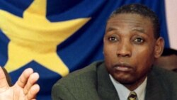 Henri Mova Sakanyi joint par Eddy Isango
