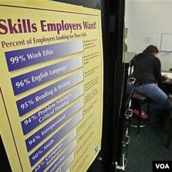 Kantor pusat tenaga kerja di San Jose, California. Pusat-pusat seperti ini di Amerika tak pernah sepi dari pencari pekerjaan sejak resesi dimulai beberapa tahun lalu.