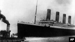 کشتی تایتنیک، پیش از شروع سفر بدفرجامش - ۱۰ آوریل ۱۹۱۲