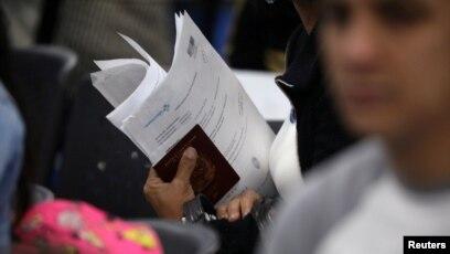 Resultado de imagen para Panamá acepta pasaportes venezolanos vencidos