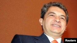 Tomás Yarrington es visto en esta foto de archivo en una conferencia de prensa en ciudad de México, el 23 de mayo de 2005.