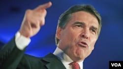 El gobernador de Texas, Rick Perry, aún no se ha declarado aspirante pero está entre los favorecidos por las encuestas.