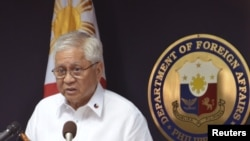 Philippine Foreign Affairs Secretary Albert Del Rosario speaks during a media briefing at the foreign affairs headquarters in Manila, January 22, 2013.
