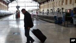 오는 10월 프랑스에서 열리는 유럽축구선수권대회 때 관광객들이 주로 이용하게 될 마르세유 시의 기차역. (자료사진)
