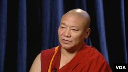 次扎喇嘛接受美國之音藏語組專訪。
