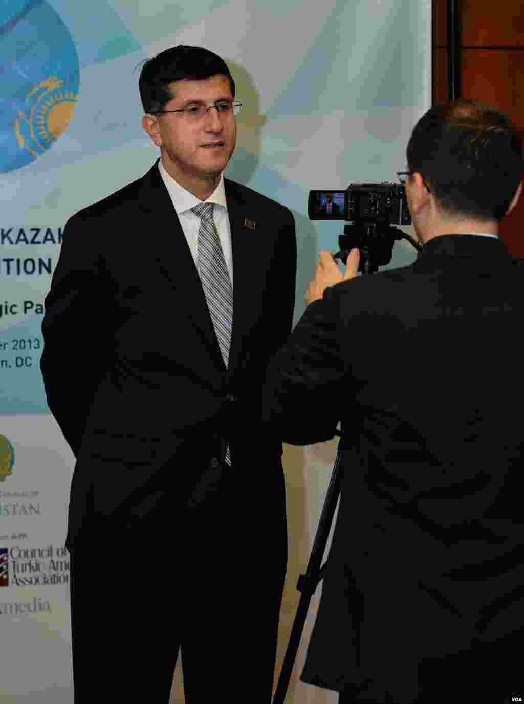Faruk Taban, Turk-Amerika alyansi prezidenti, AQSh-Qozog'iston konvensiyasi homiylaridan biri, Vashington, 11-dekabr, 2013-yil