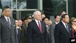 บรรดารัฐมนตรีกลาโหมที่มาร่วมการประชุมเกี่ยวกับความมั่นคงครั้งที่หนึ่งของอาเซียน ณ กรุงฮานอยตกลงจะหารือเกี่ยวกับบรรดาประเด็นที่ขัดแย้งกันนั้นต่อไป