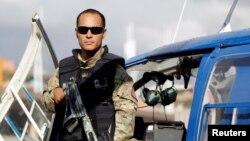 En esta foto de archivo se ve al policía venezolano Óscar Pérez durante un evento en Caracas el 1 de marzo de 2015.