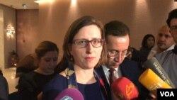 Laura Kuper