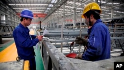 Exportaciones de automóviles y equipos eléctricos, supera la exportación de crudo venezolano.