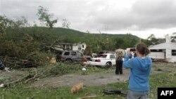 SHBA: Dhjetra të vdekur nga ciklonet në shtetet jugore